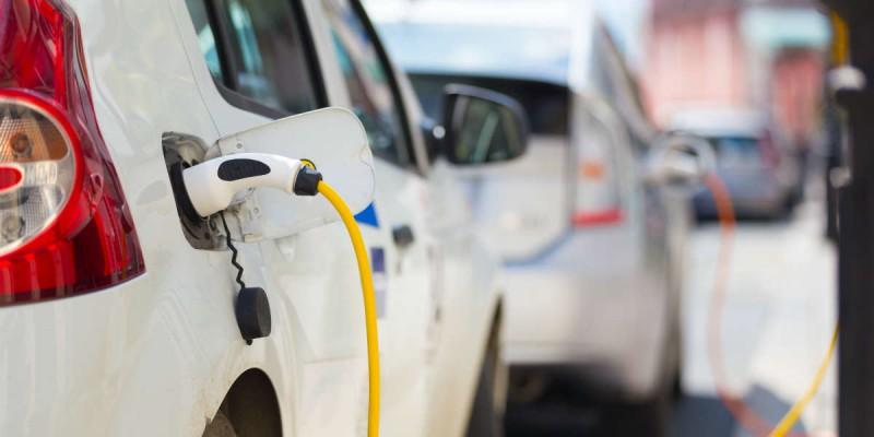 elektrische auto opladen oplaadpaal