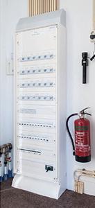 Domotica installatie - De verdeelkasten herbergen een arsenaal aan schakel- en dimactoren, interfaces en besturingseenheden